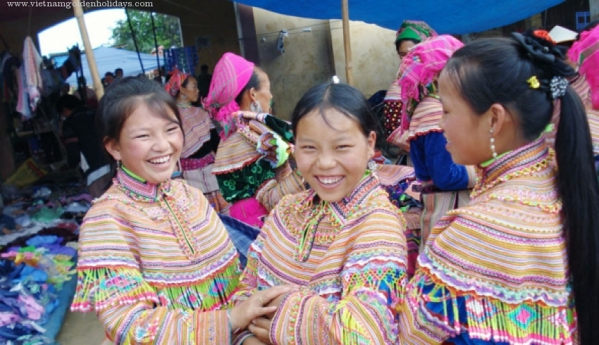 Mai Chau up Northwest Colorful Market 7days tour